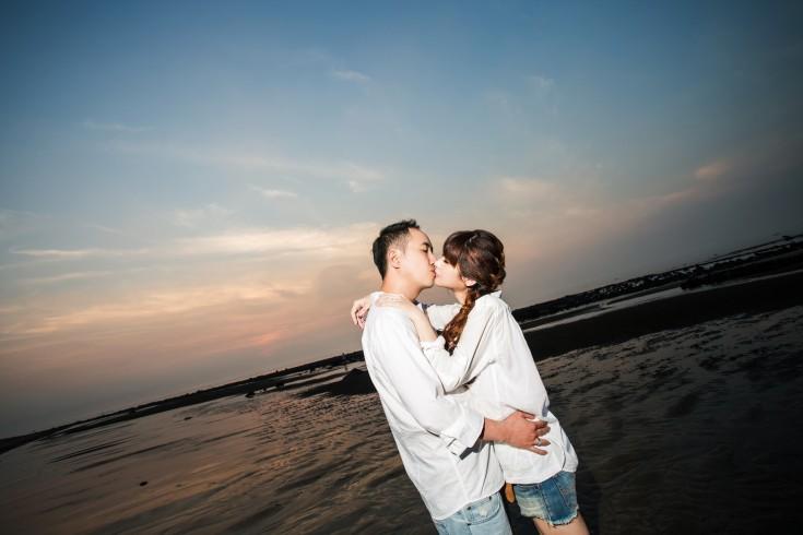 夕陽婚紗照|沙灘婚紗照|便服婚紗攝影-台北婚攝JETAIME